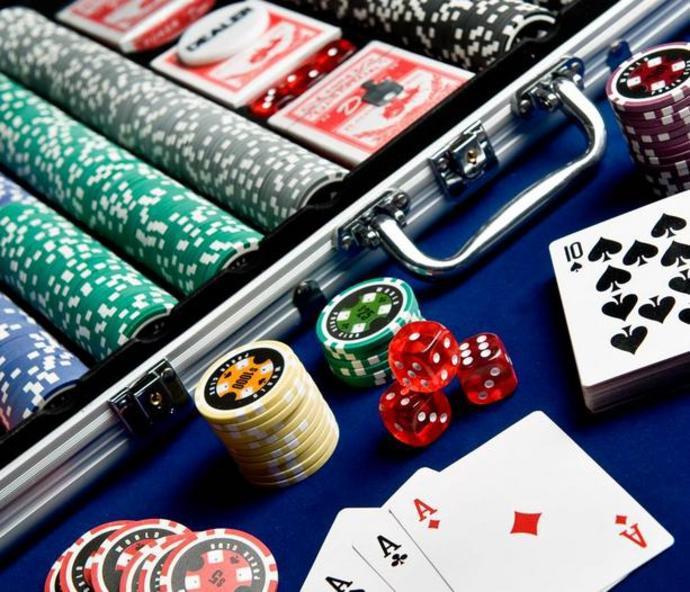 Club poker net where to play poker in north carolina