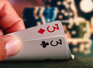 Playing Medium Pocket Pairs in No-limit Texas Holdem